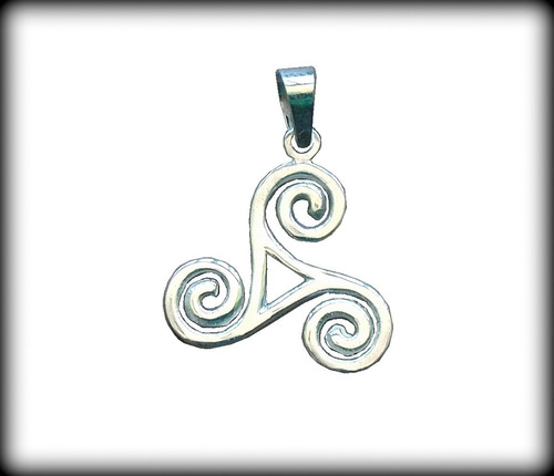 pingente tríquetra triskle celta- prata 925 - 2,9 gr opç 01