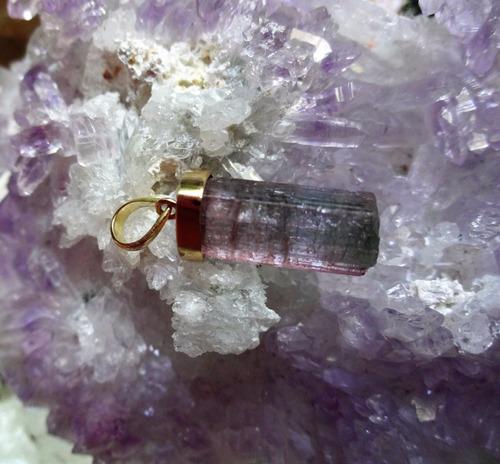 pingente turmalina melância bruta e natural. ouro 18k.