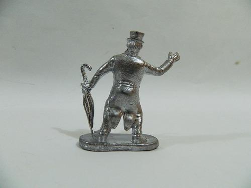 pinguim figura em chumbo - réplica do gulliver