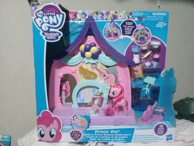 52b04e7b061 pinkie pie casita salon de musica y postres my little pony. Cargando zoom.