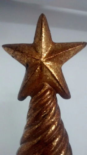 pino navideño dorado texturizado