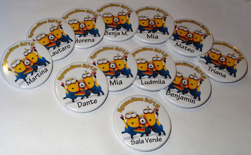 pins 75mm x50  personalizado souvenir egresaditos publicidad