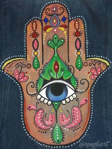 pintado de diseños personalizados en camperas de jean