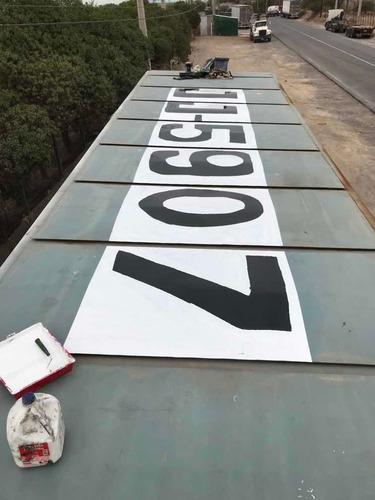 pintado de letras en techos de ramplas y camiones