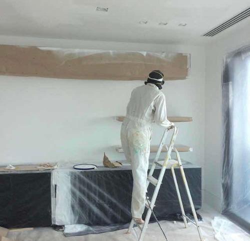 pintura de parede com pistola. spray-gun.