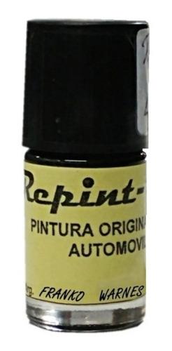 pintura de retoque en frasco con pincel para autos.