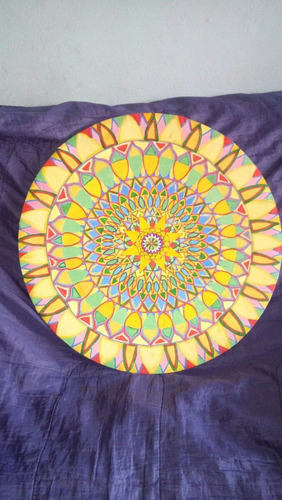 pintura em tinta oleo,sobre tela confeccionada sobre aro de
