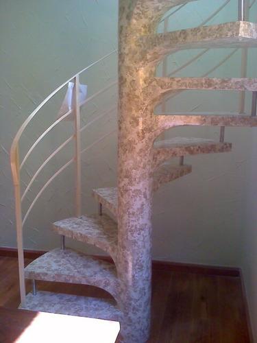 pintura marmorizada em escadas