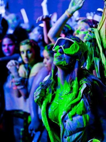 pintura para fiesta neon