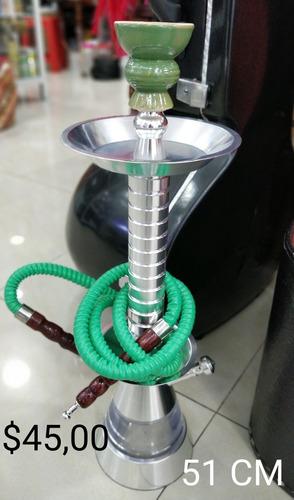 pipas árabes y esencia de diferentes sabores.