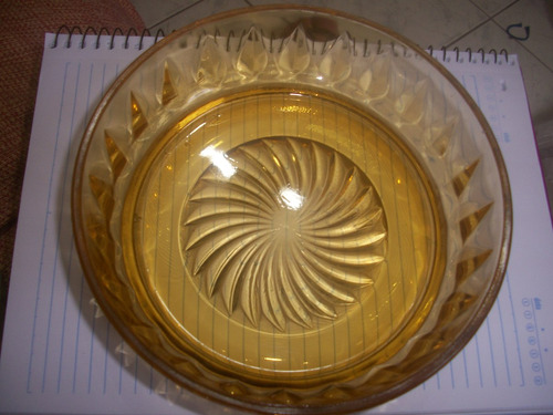 pirex antigo ... 17,5 cm diam. 6,5 cm altura impecavel