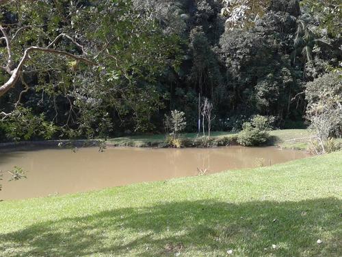 piscina 2 lagos 3 casas pomar ótima localização