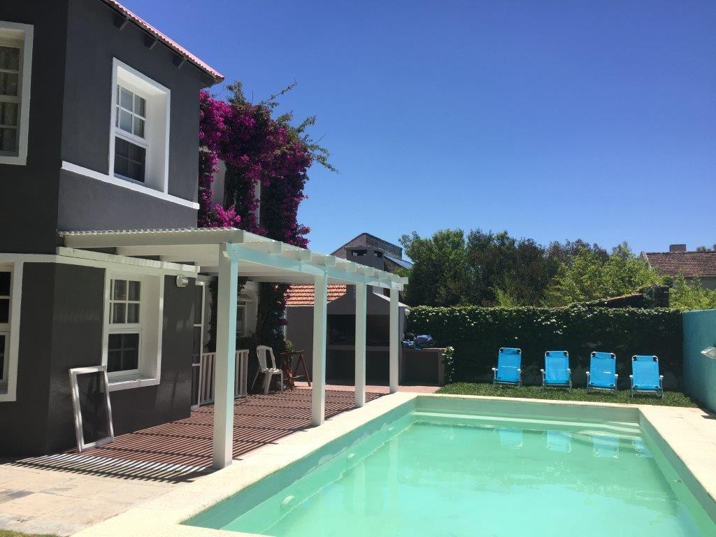 piscina cerrada climatizada para 10 pax/ aire acon/parriller