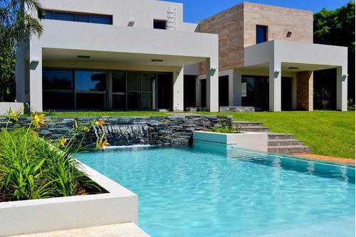 piscina de hormigon completa  8x4 $ 195.000 precio agos2018