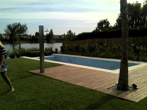 piscina de hormigón  de 4 x 8m.