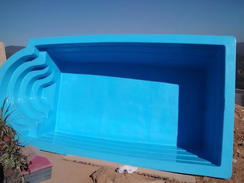 Piscina prefabricada fibra terminaci n opcional deck 3 for Piscina 8x4 cuantos litros