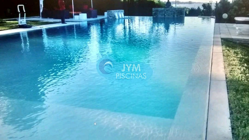 piscinas con construcción