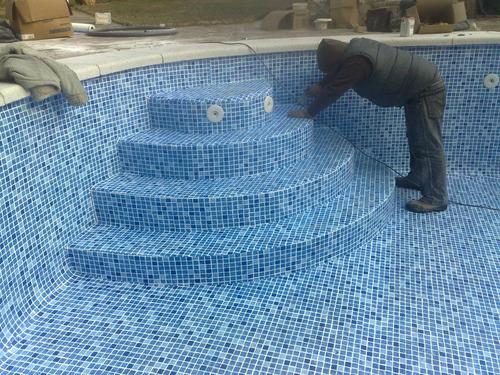 piscinas: construcción, mantenimiento, químicos y equipos.