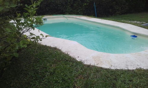 piscinas de fibra con hidrojet  instalada
