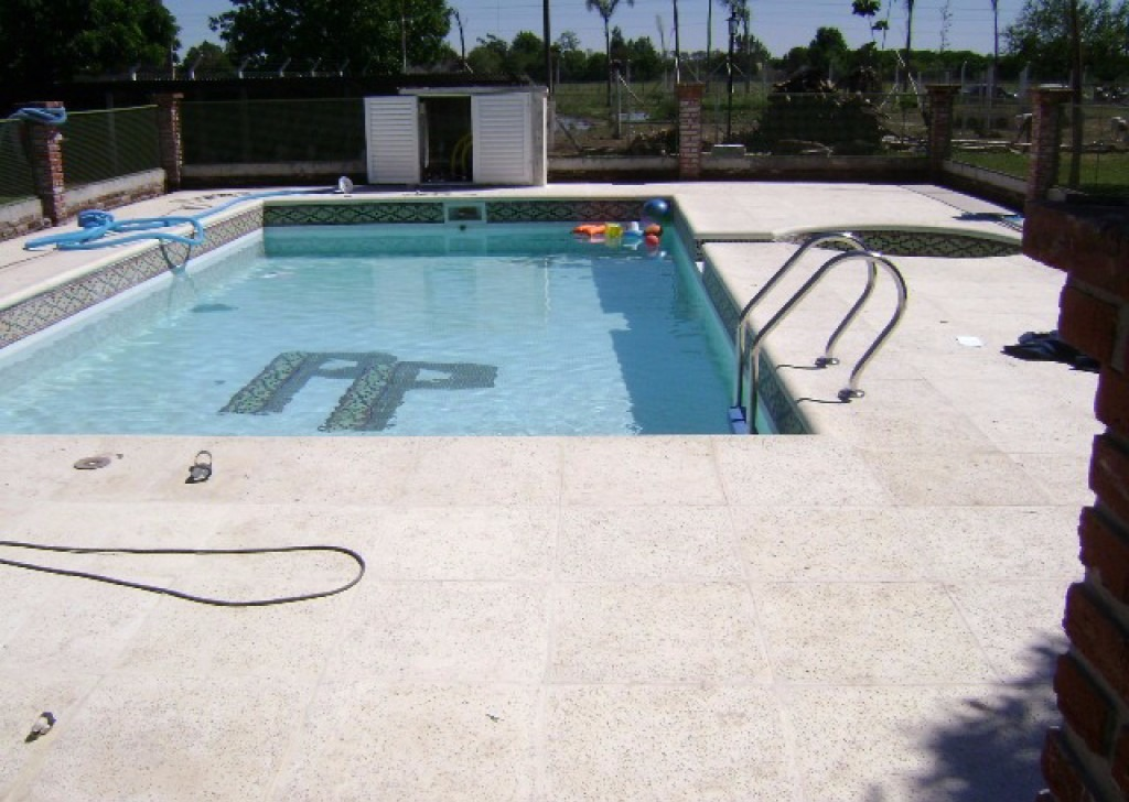 Piscinas de hormig n 4x8 piletas en for Costo piscinas hormigon