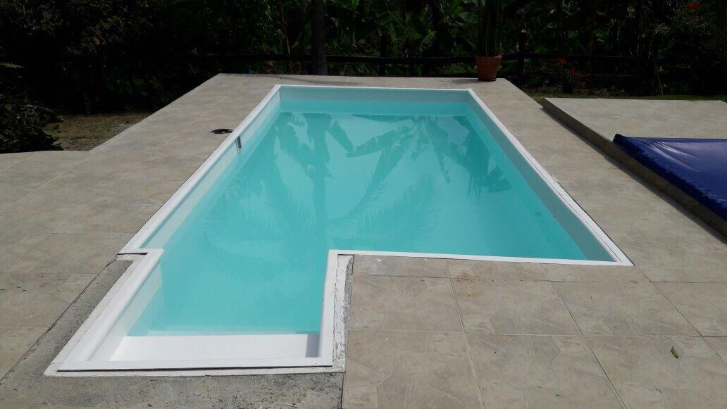 Piscinas en fibra de vidrio fabricamos seg n su dise o for Diseno de piscinas en fibra de vidrio