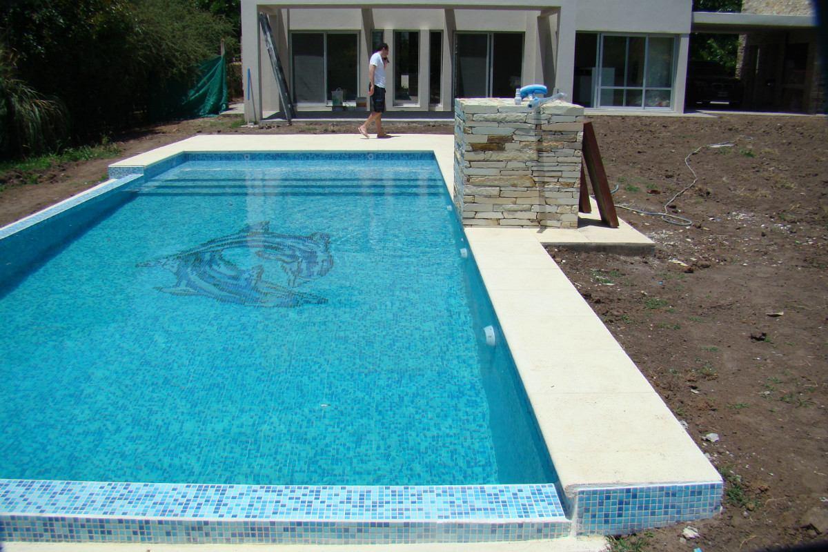Piscinas en hormig n armado 20 a os de garant a en for Ofertas de piscinas estructurales