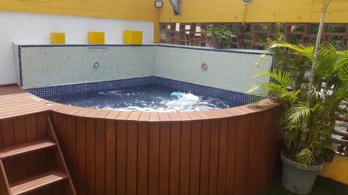 piscinas, jacuzzis  y bañeras en fibra de vidrio reforzada