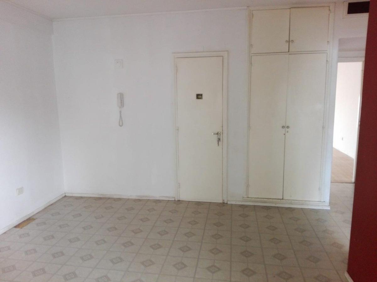 piso (3) amb. c/dependencias de servicio - zona shopping los gallegos  - al frente - sin expensas