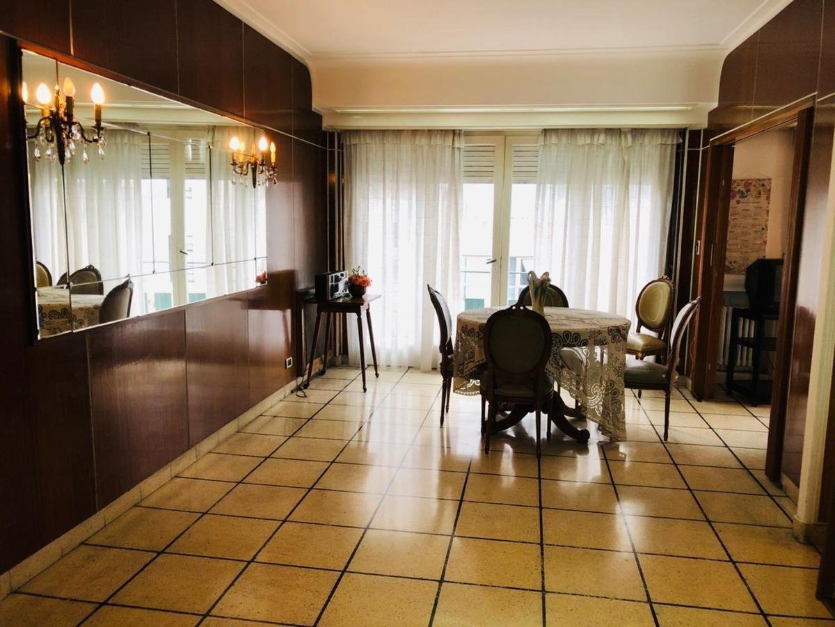 piso 4 ambientes con cochera en zona centro en venta!