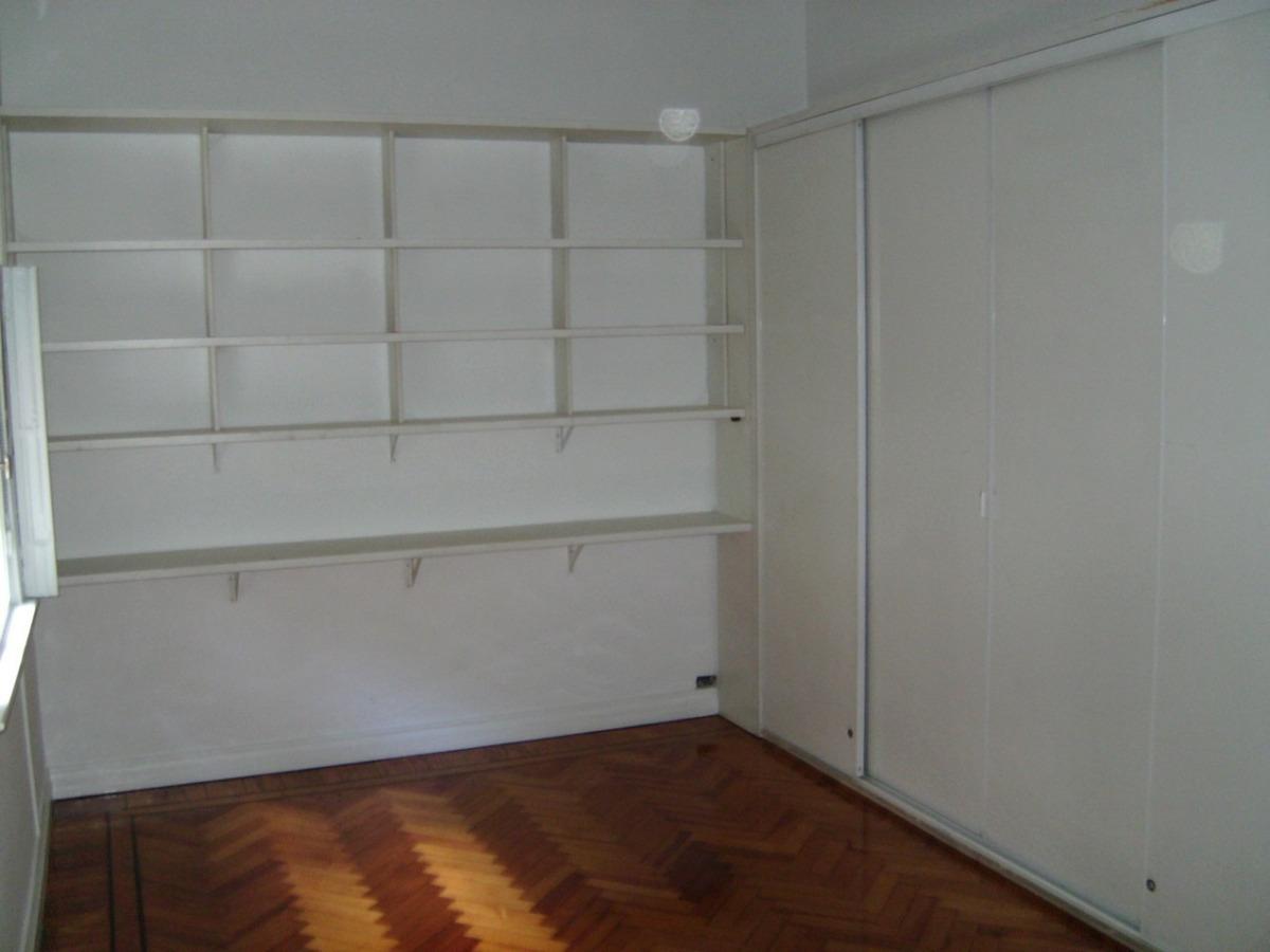 piso antiguo de 7 ambientes tot. reciclado en esquina