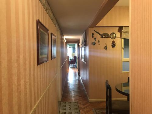 piso de 147m2 con cochera- super luminoso- muy buen estado. excelente zona