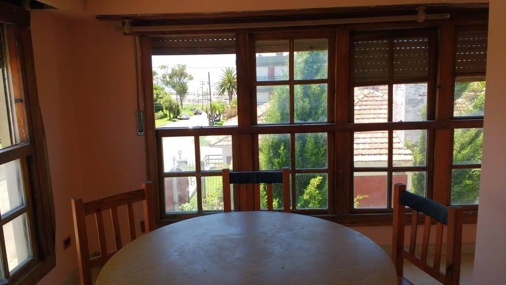 piso de  5 ambientes 2 baños balcón