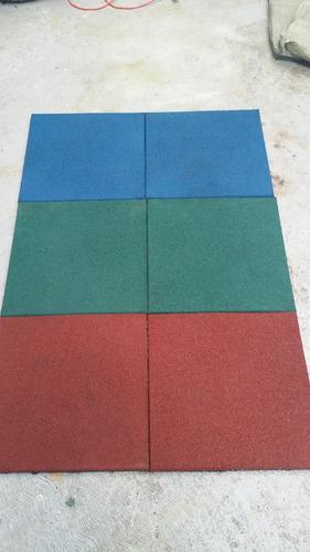 piso de caucho de 50x50x2.5cm precio es por m2 (solo rojo)