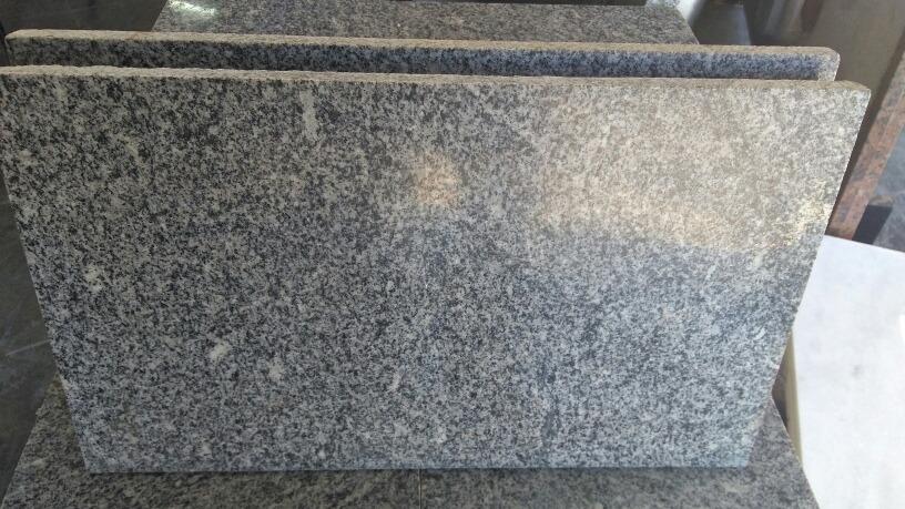 Piso de granito cinza corumb 0 50 x 0 30 lote c 50 pe as for Pisos de granito