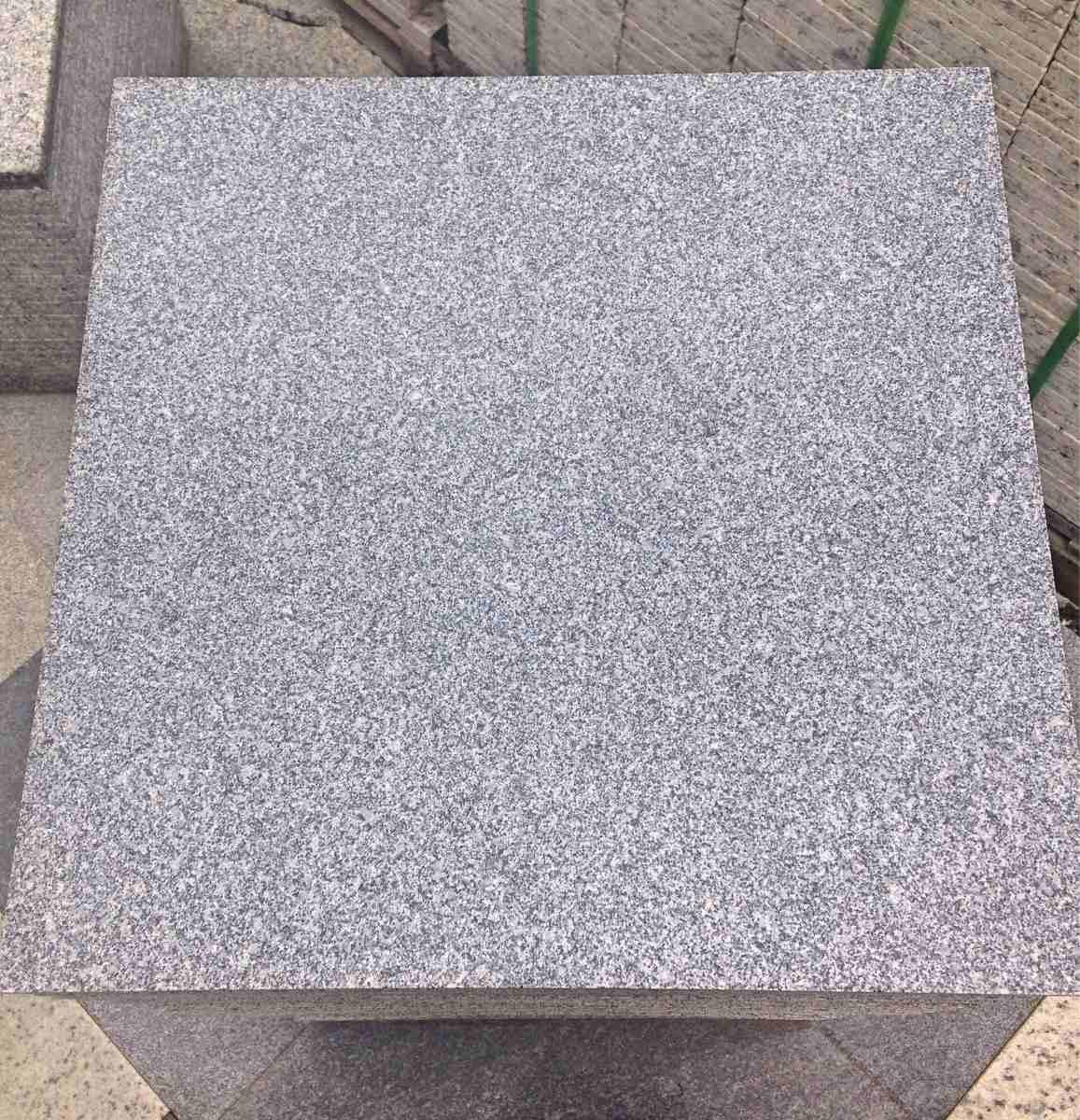 Piso de granito ladrilhos cinza andorinha extra polido for Pisos de granito natural