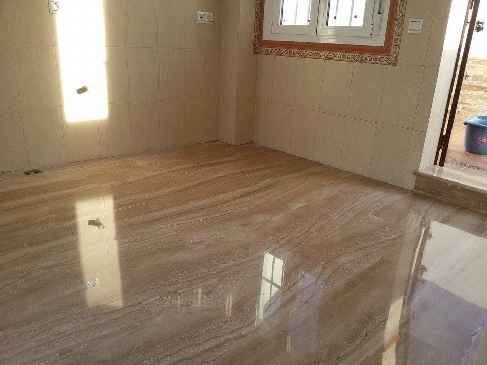 Piso de marmol travertino clasico 40x60 480 00 m2 for Fotos de pisos de marmol travertino