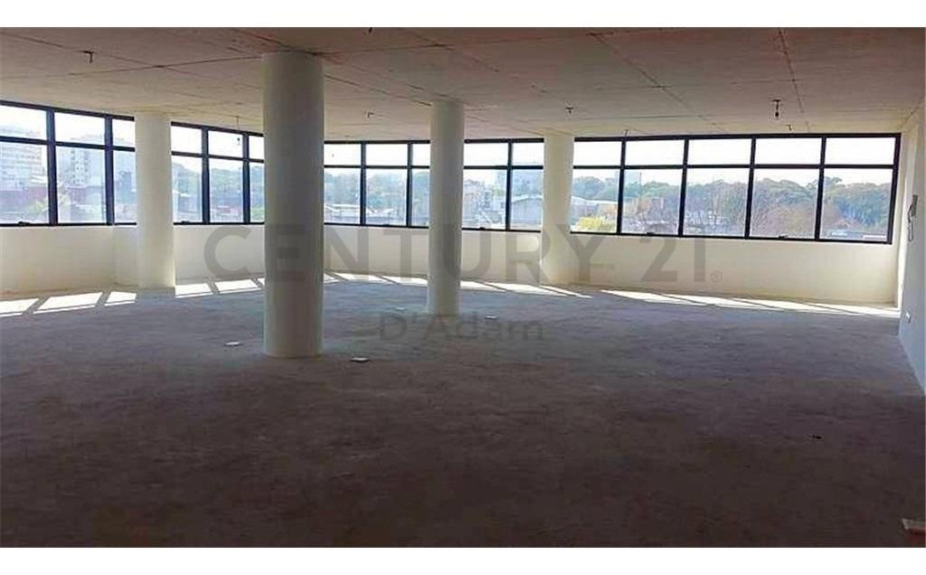 piso de oficina a estrenar 190 m2 mas cochera