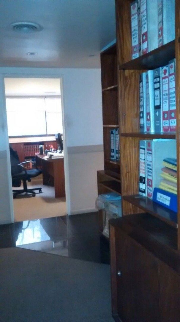 piso de oficinas externas con 4 cocheras cubiertas