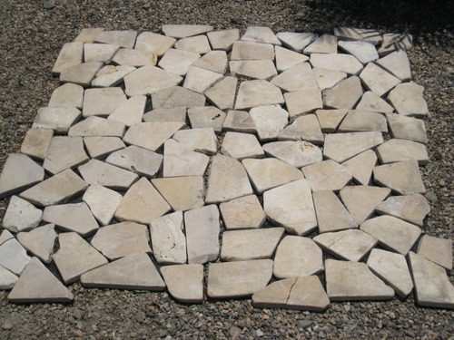 piso de piedra amarillo (tan) en malla