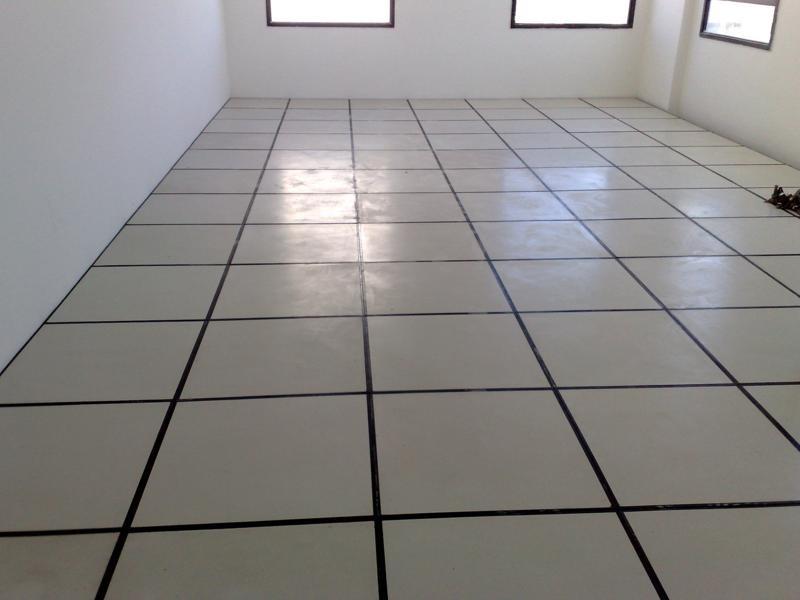 Piso elevado carpetes e instala es r 120 00 em for Piso en urbanizacion alcorcon ii