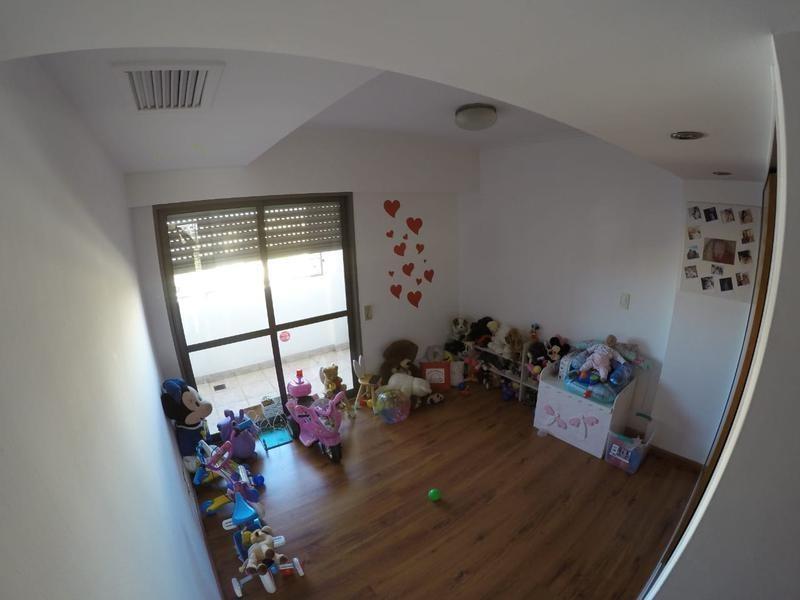 piso exclusivo con cochera y parrillero propio!! frente a plaza lopez
