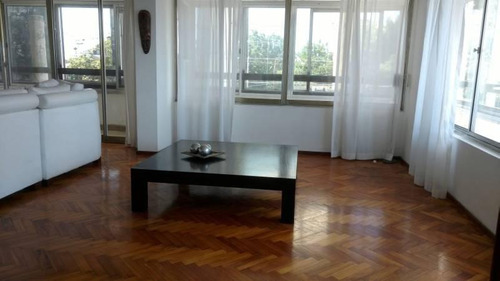 piso exclusivo de 3 dormitorios con cochera y patio - barrio martin