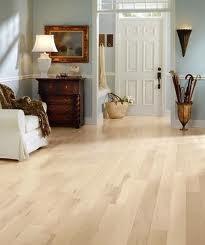 piso laminado flotante de madera tipo parqueteck mayor detal