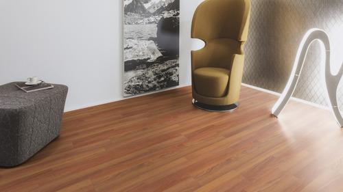 piso laminado tekno step 7mm con zoclo, bajo piso y 1moldura