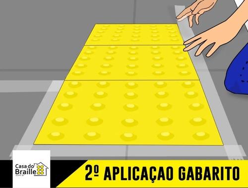 piso tátil direcional pvc 25x25 vermelho 64 pçs 4m linear