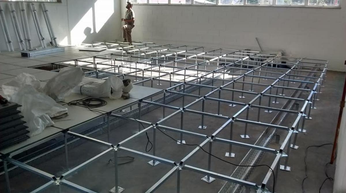Piso tecnico piso elevado suelo tecnico data center - Suelos tecnicos precios ...