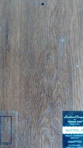 piso vinilico compuesto sistema clic apariencia madera.