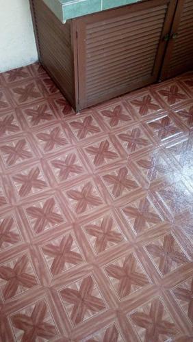 piso vinilico en rollo. linolium instalado, incluye ahesivo