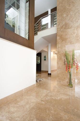 pisos de mármol, granito, travertino, pizarra, coralina