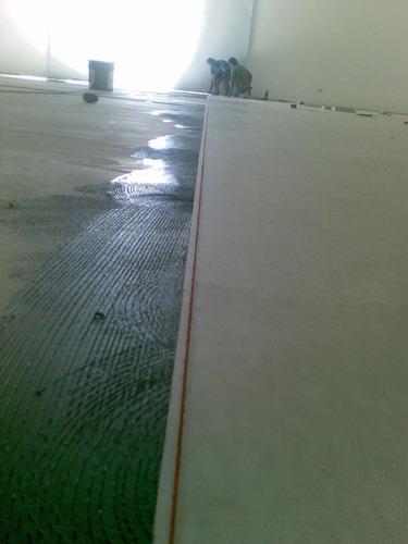 pisos de vinil, baldosas, 30x30, instalación